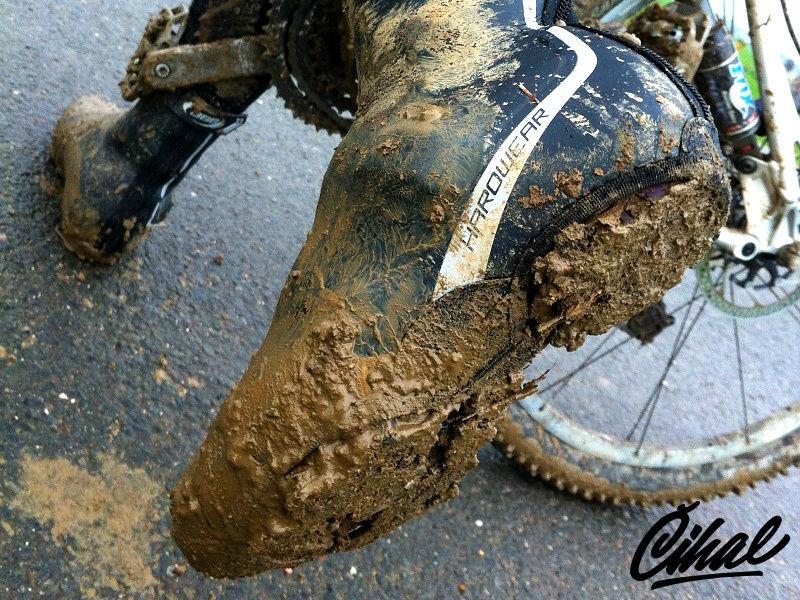 Jak vybrat cyklistické návleky na tretry - Kola Číhal f7de4aac5a